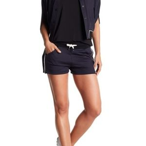Blanc Noir S Butterfly Snap Sides Shorts Stretch